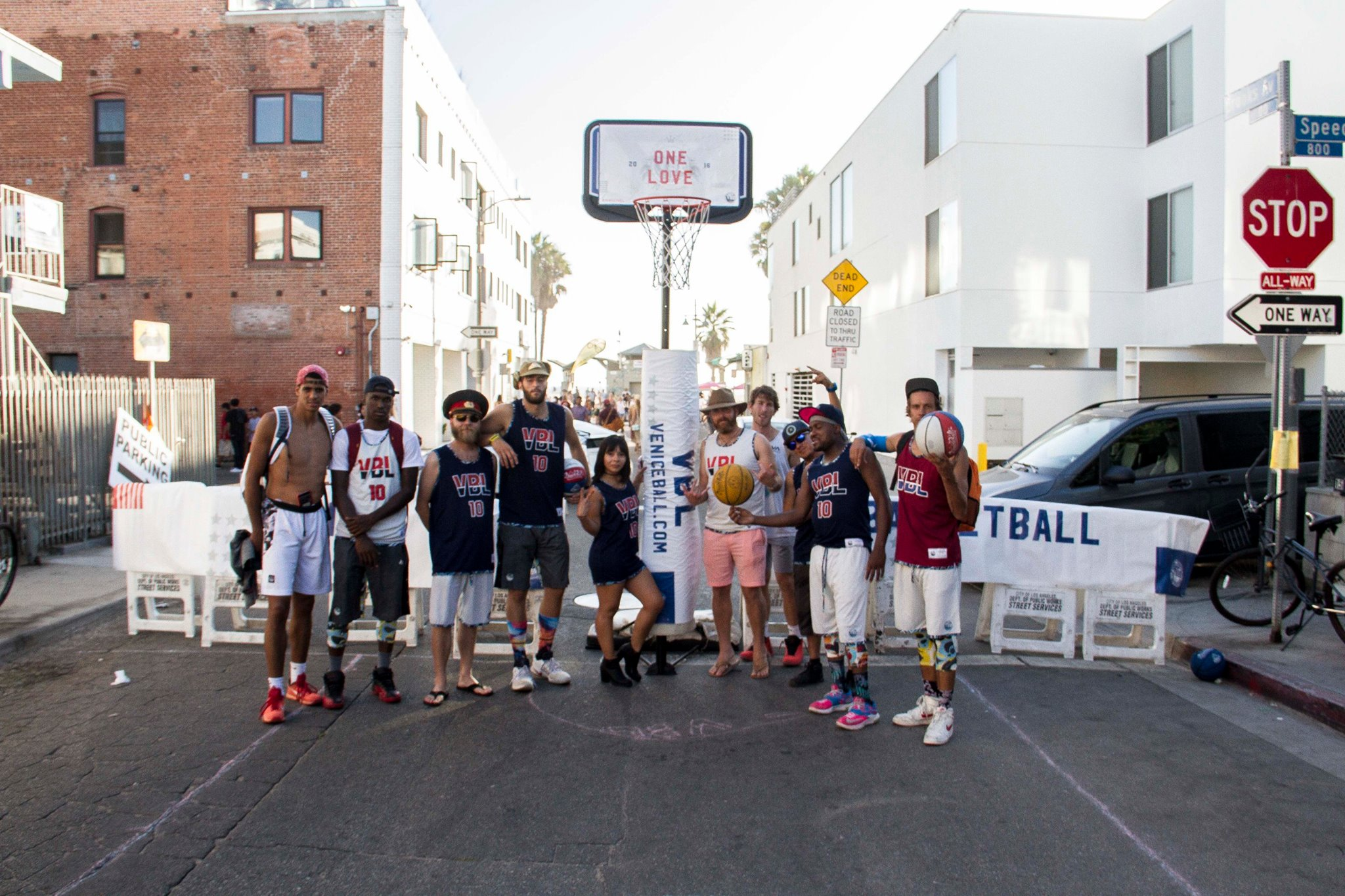 Venice Brooks Fest!! Pop Up dunk fest in the streets of Venice
